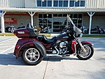 USED 2014 HARLEY-DAVIDSON FLHTCUTG TRI GLIDE ULTRA CLASSIC  in NEW PORT RICHEY, FLORIDA (Photo 1)