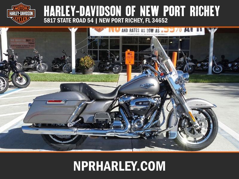 NEW 2017 HARLEY-DAVIDSON FLHR ROAD KING  in NEW PORT RICHEY, FLORIDA