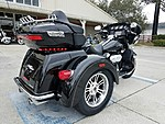 NEW 2017 HARLEY-DAVIDSON FLHTCUTG TRI GLIDE ULTRA CLASSIC  in NEW PORT RICHEY, FLORIDA (Photo 6)
