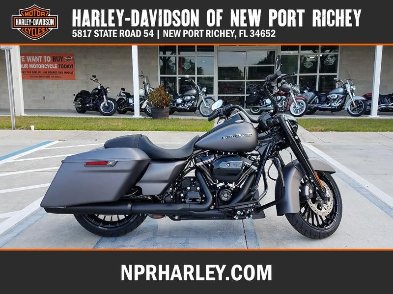 NEW 2017 HARLEY-DAVIDSON FLHRS ROAD KING CUSTOM  in NEW PORT RICHEY, FLORIDA
