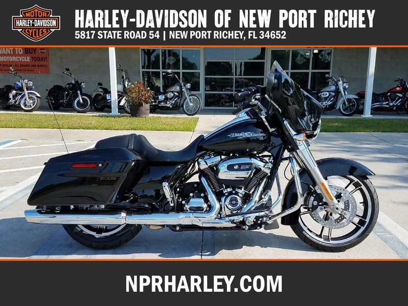 NEW 2017 HARLEY-DAVIDSON FLHX STREET GLIDE  in NEW PORT RICHEY, FLORIDA
