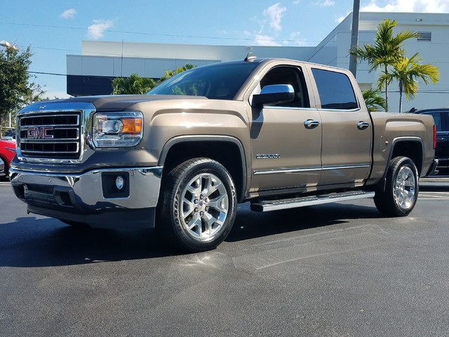 2015 GMC SIERRA 1500 SLT  StabiliTrak stability control system with Proactive Roll Avoidance and