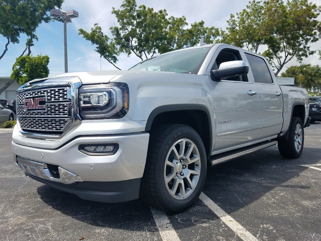 2018 GMC SIERRA 1500 DENALI  StabiliTrak stability control system with Proactive Roll Avoidance
