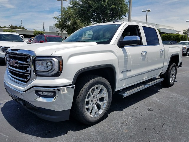 2018 GMC SIERRA 1500 SLT  StabiliTrak stability control system with Proactive Roll Avoidance and